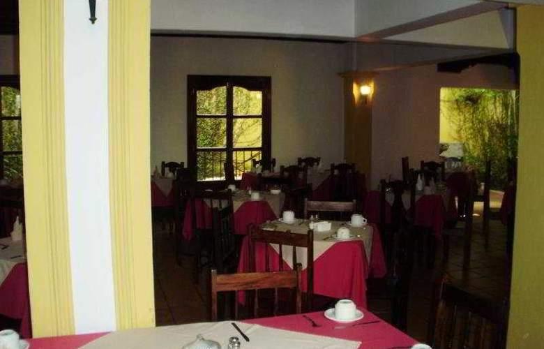 Posada Hermano Pedro - Restaurant - 3