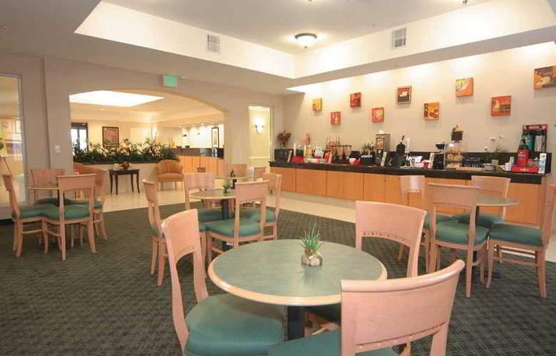 La Quinta Inn & Suites Houston Hobby Airport - Restaurant - 7