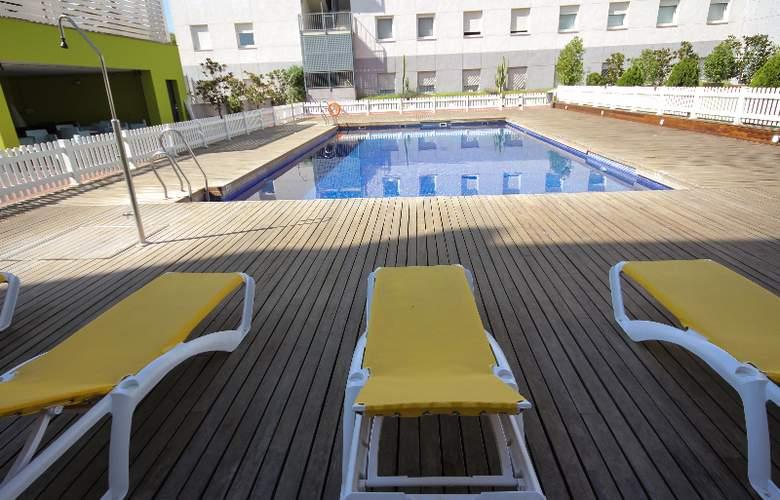 Vertice Aljarafe - Pool - 26