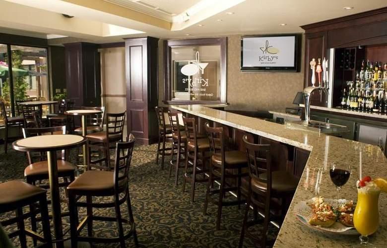 Best Western Brant Park Inn & Conference Centre - Bar - 104