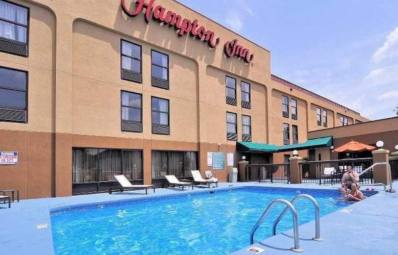 Hampton Inn Eden - Pool - 34