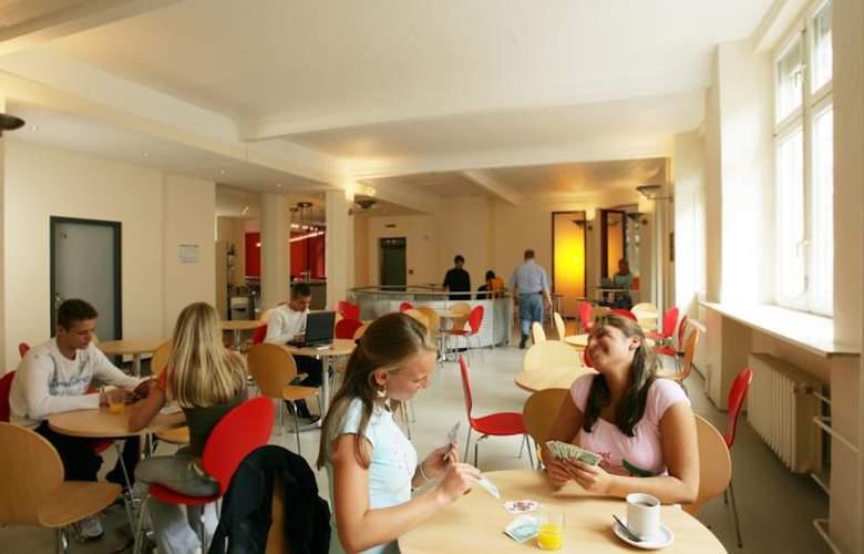 All In Hostel Berlin - Bar - 3