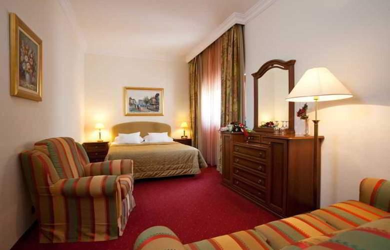 Hotel Globo - Room - 6