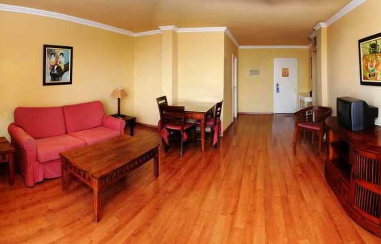 La Quinta Park Suites - Room - 7
