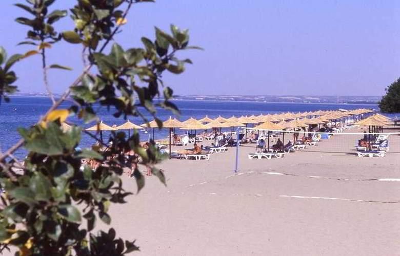 Gerakina Beach - Beach - 7