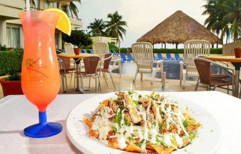 Ixchel Beach Hotel - Restaurant - 35