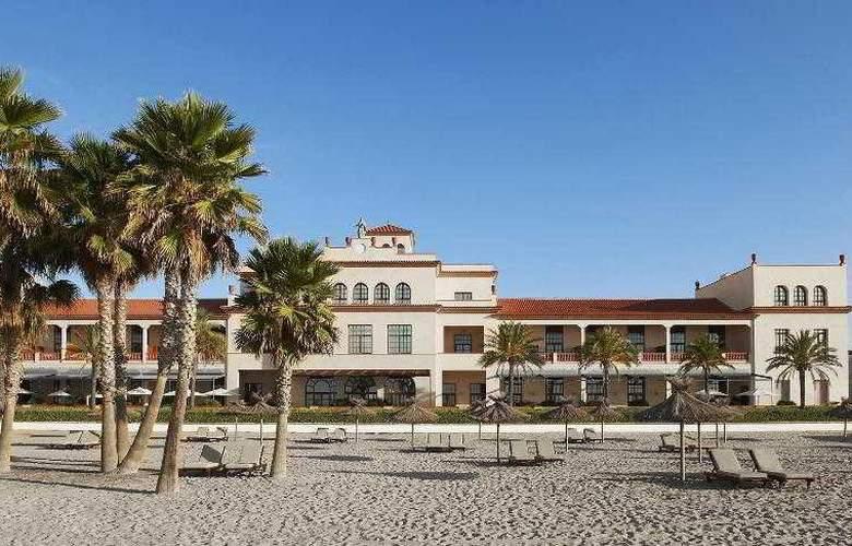 Le Meridien Ra Beach Hotel & Spa - Beach - 55