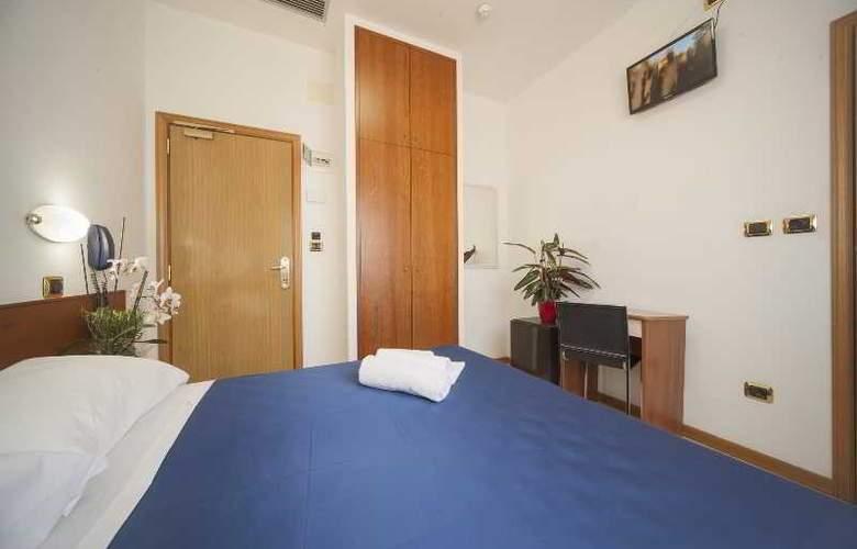 Manola - Room - 8