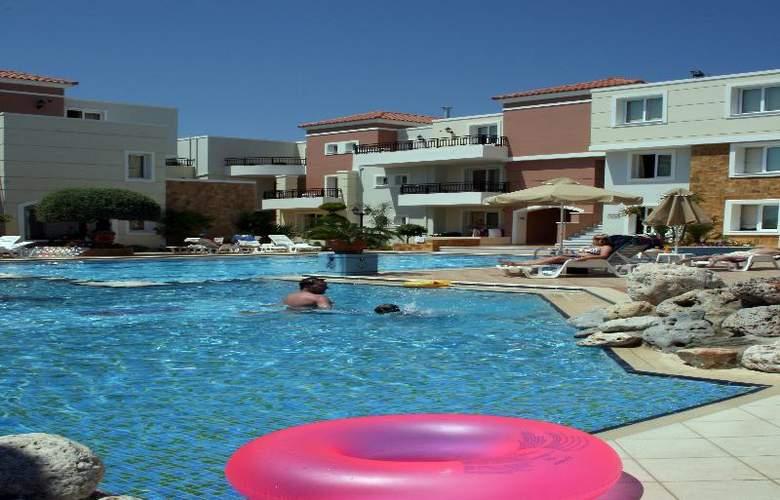 Zeus Village - Pool - 18
