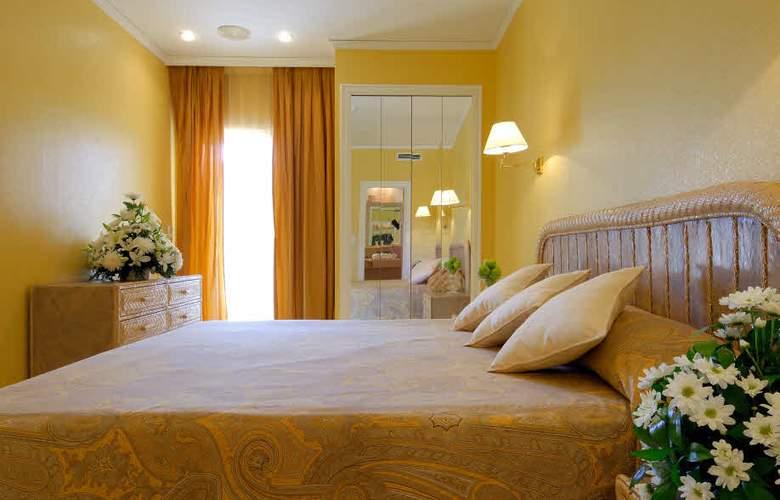 Oliva Nova Beach & Golf Resort - Room - 10