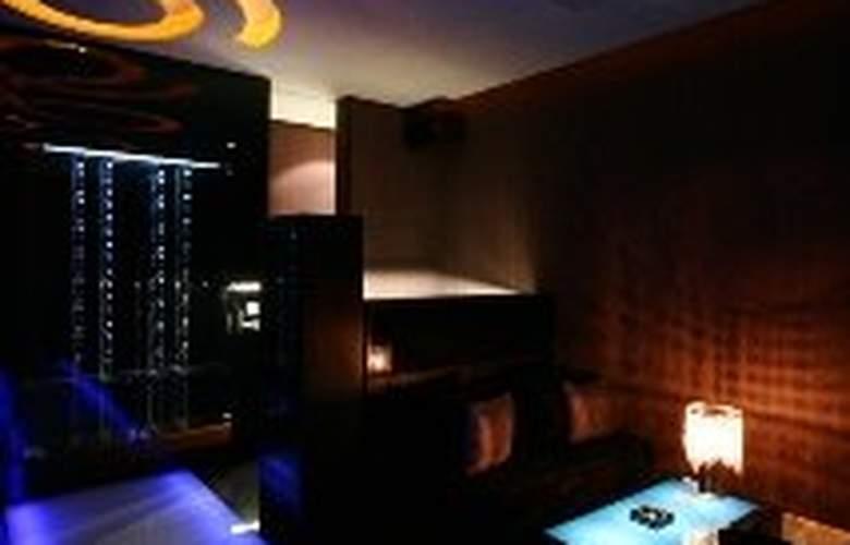 Hotel Eight Zone - Bar - 6