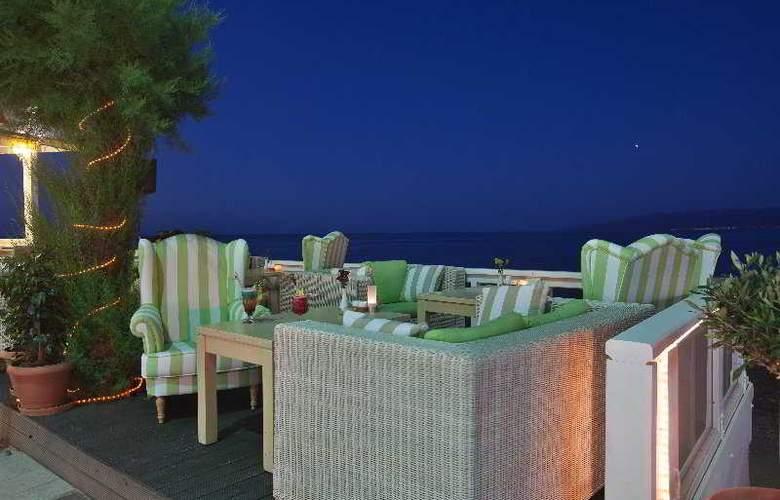 Palmera Beach Hotel and Spa - Terrace - 13