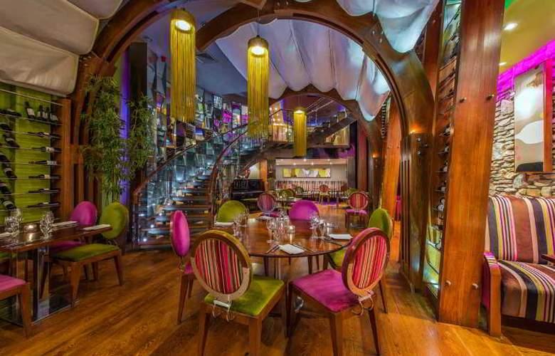 The Ross - Restaurant - 19