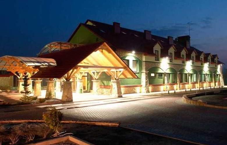 Navariya Nova - Hotel - 3