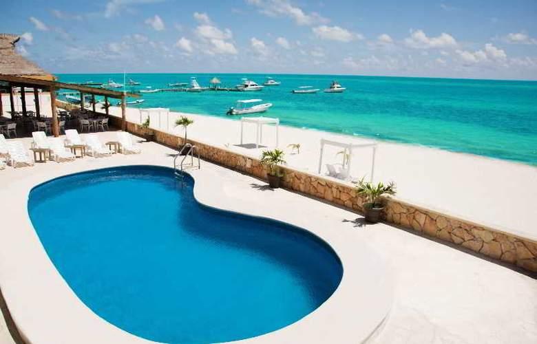 Hacienda Morelos - Pool - 11