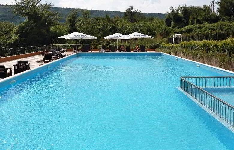 White Rock Castle, Suite hotel - Pool - 25