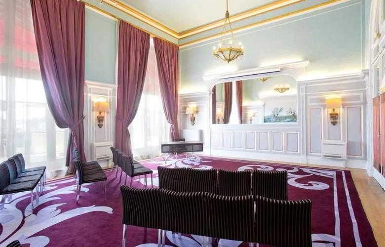 Le Grand Hôtel Cabourg - Hotel - 10