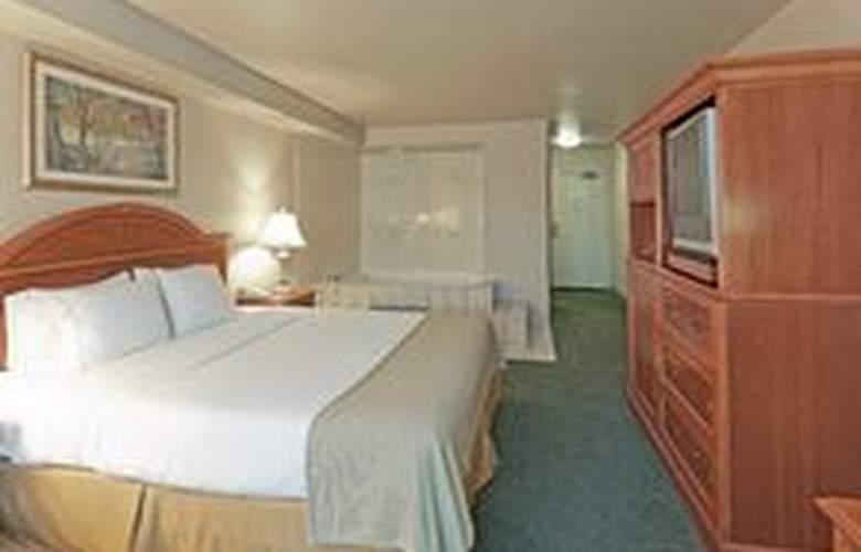 Holiday Inn Express Bakersfield - Room - 13