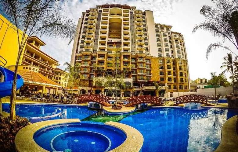 Croc's Casino & Resort - Hotel - 0