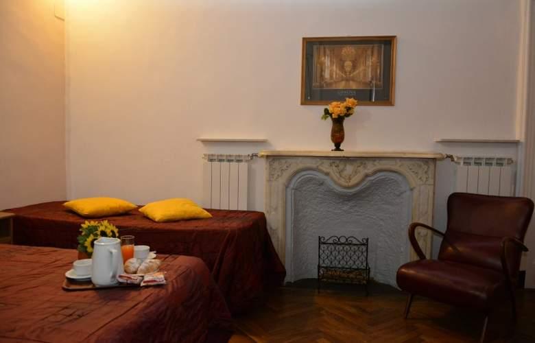 Balbi Family - Room - 3