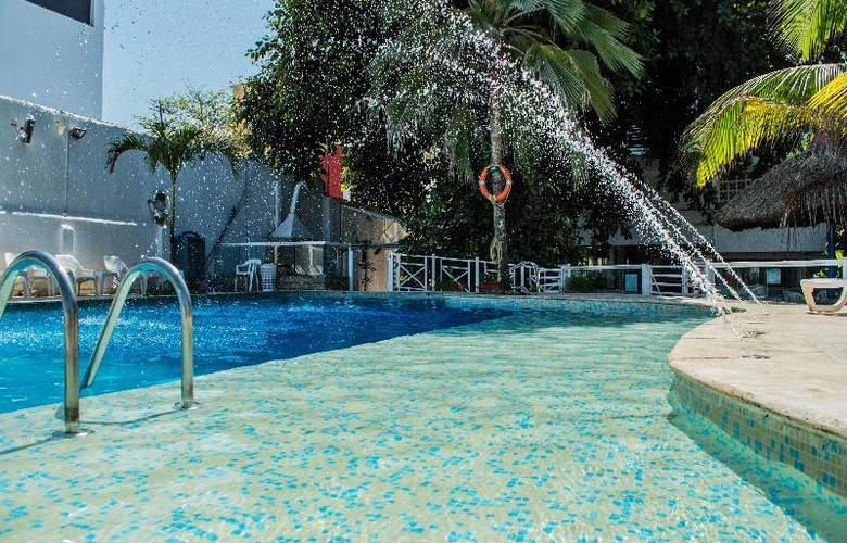 Playa Club - Pool - 16