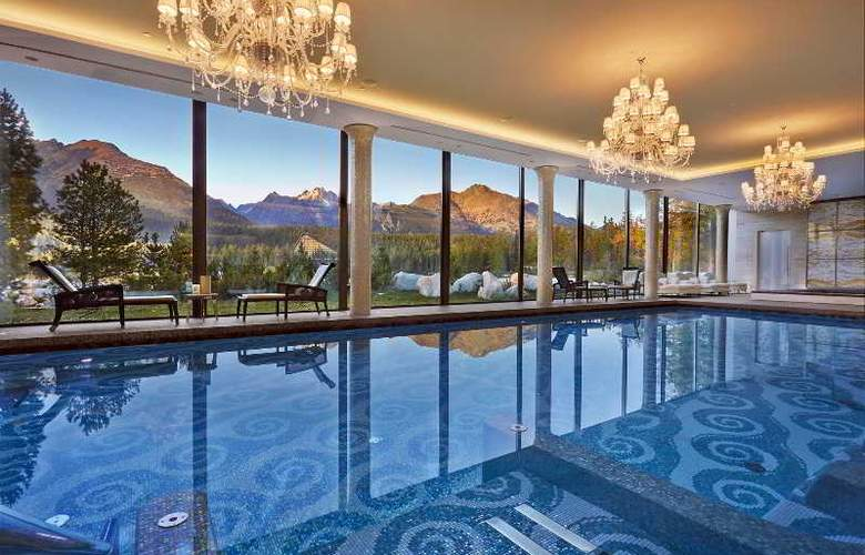 Grand Hotel Kempinski High Tatras - Pool - 4