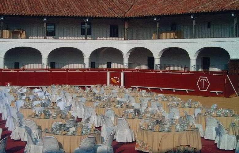 Plaza de Toros de Almaden - Restaurant - 5