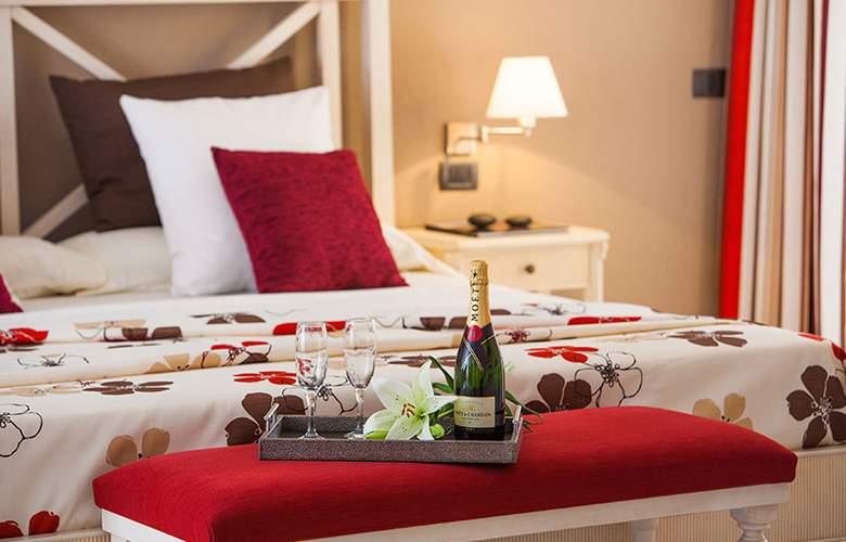 Club Marina Tenerife - Room - 6