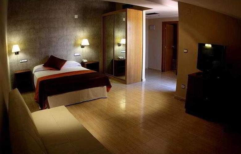 Eliana Park - Room - 6