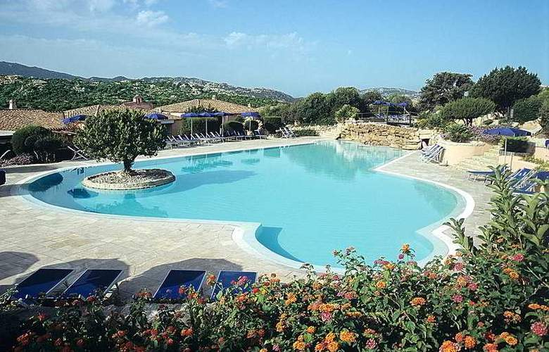 Colonna Resort Country & Sporting Club - Pool - 9