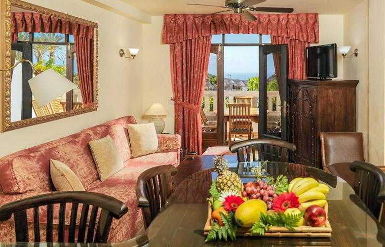 Regency Country Club Apartments Suites - Room - 9