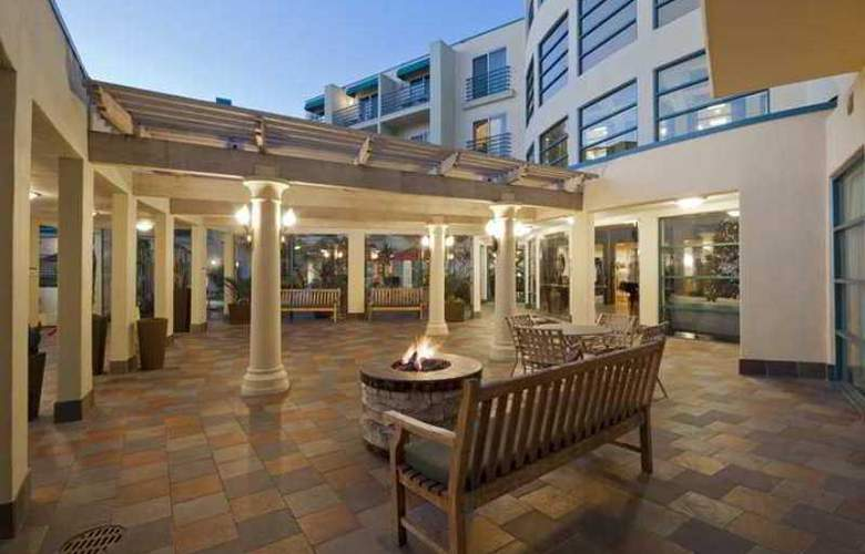 DoubleTree Suites by Hilton Hotel Doheny Beach - Hotel - 5