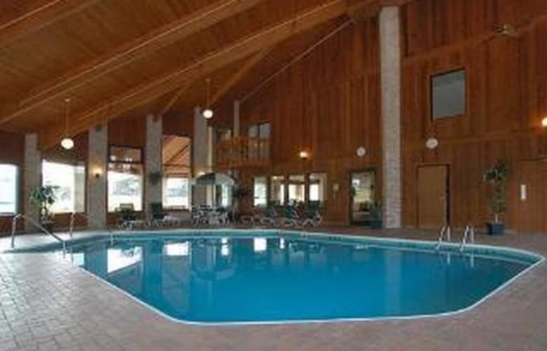Rodeway Inn - Pool - 6