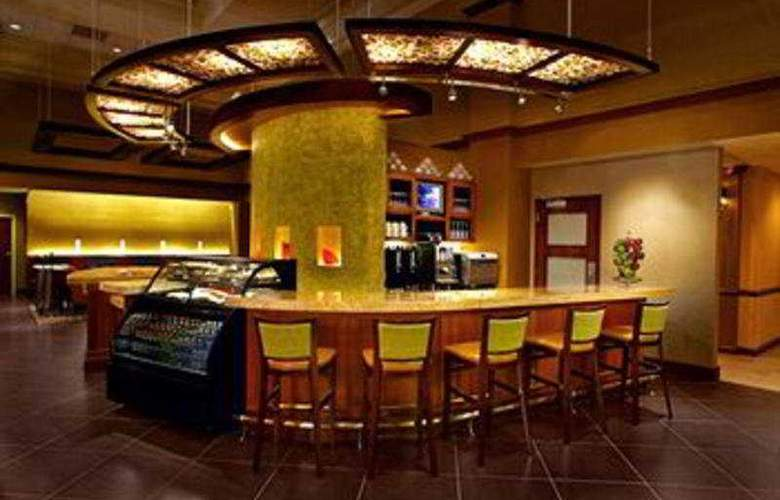 Hyatt Place Orlando Airport - Bar - 3