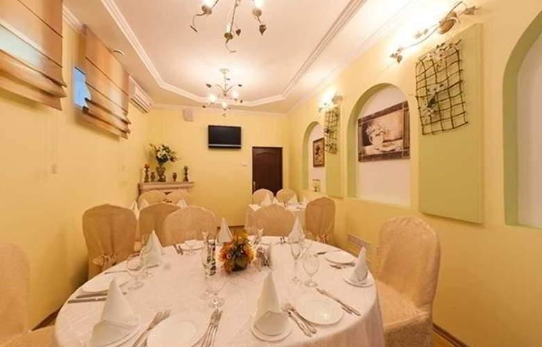 Vesta - Restaurant - 11