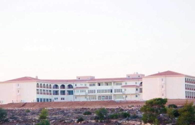 The West Queen Resort - Hotel - 0