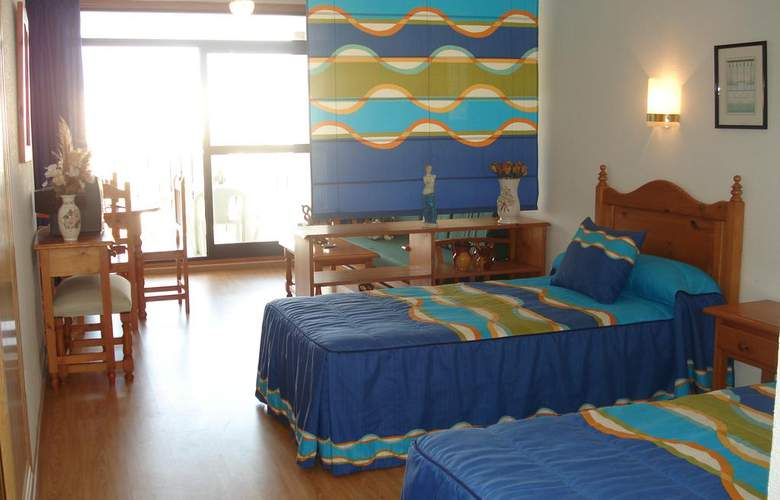 Apartamentos Fenix - Room - 2