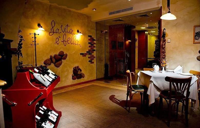Best Western Premier Collection City Sofia - Restaurant - 78