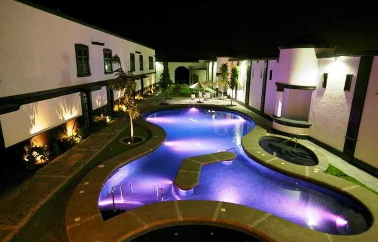 The Latit Real Hacienda de Santiago - Pool - 2