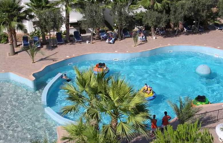 Oscar Resort - Pool - 30