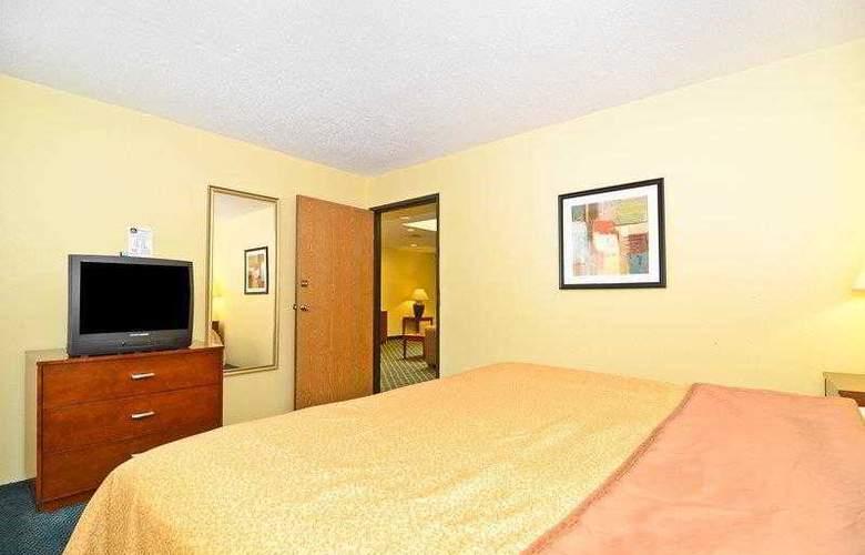 Best Western Ambassador Inn & Suites - Hotel - 12