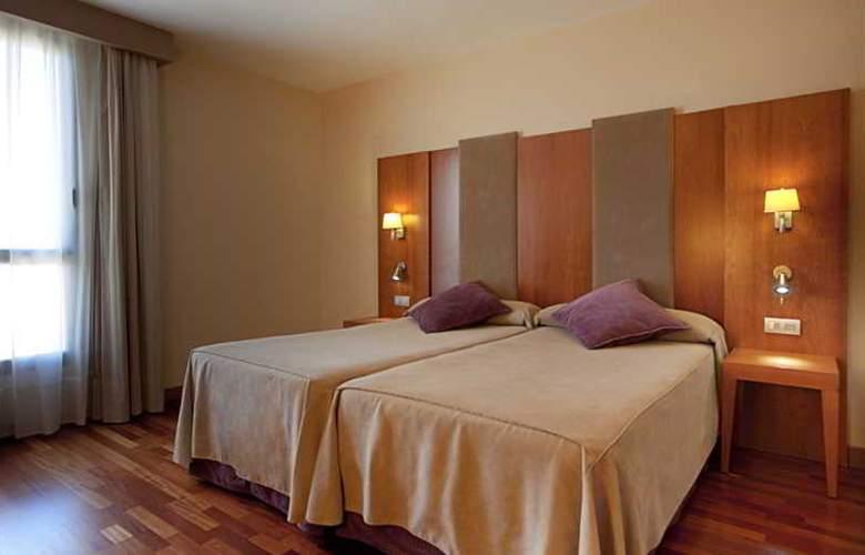 NH Ciudad de Almeria - Room - 8