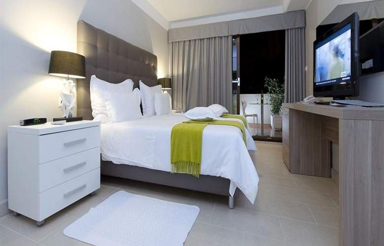 The Residence - Room - 5