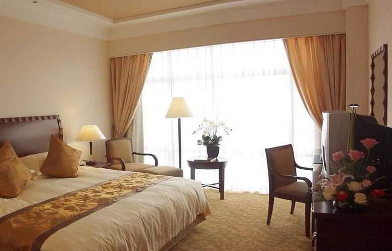 Equatorial - Room - 2