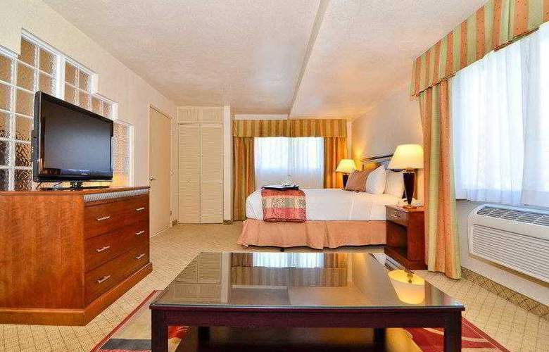 Best Western Plus High Sierra Hotel - Hotel - 30