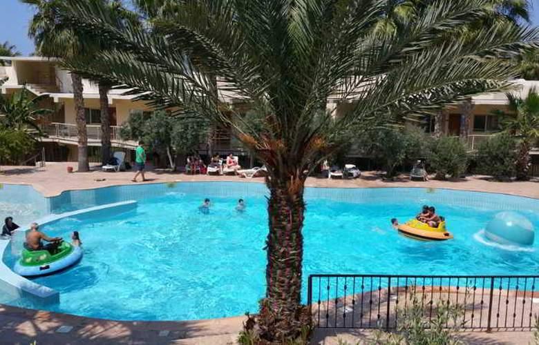 Oscar Resort - Pool - 24