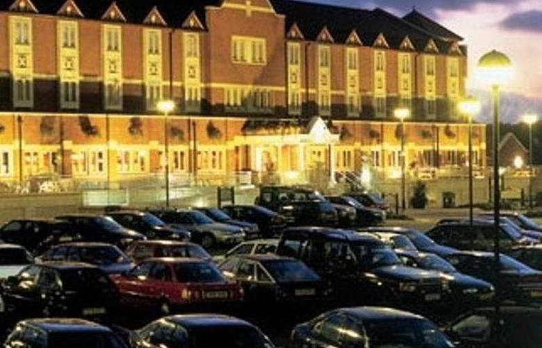Village Cardiff - Hotel & Leisure Club - Hotel - 0