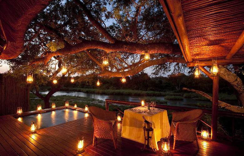 Lion Sands Tinga Lodge - Restaurant - 3