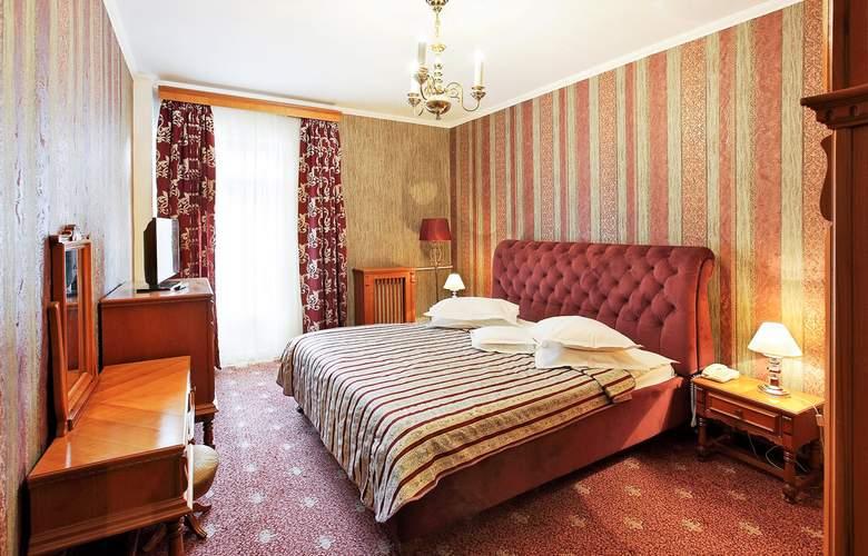 Palace - Room - 2