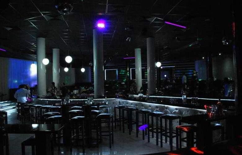Iceberg - Bar - 8